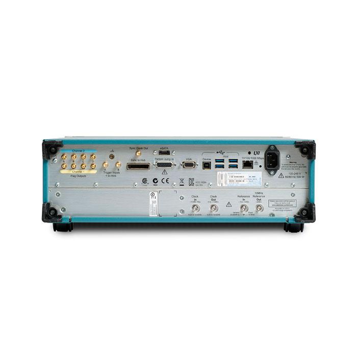 Генераторы сигналов Tektronix AWG70000B - задняя панель