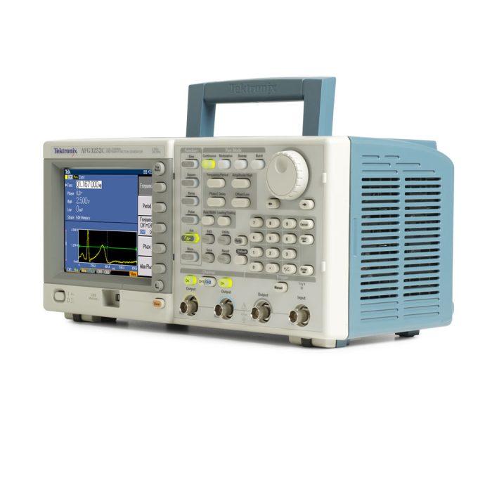 Генератор сигналов произвольной формы Tektronix AFG3152C