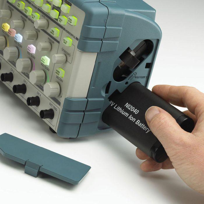 Установка батареи в осциллографы TPS2000B