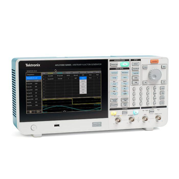 Внешний вид 2-канальной модели генератора Tektronix AFG31000
