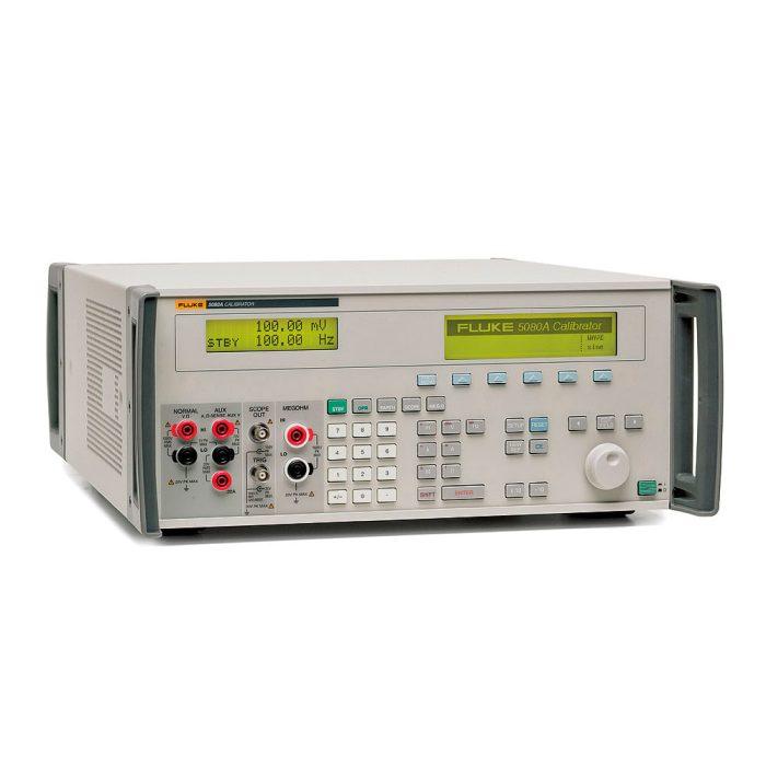 Fluke 5080A - калибратор